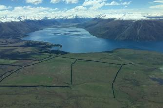 Meranda Lake Wakatipu towards Glenorchy 5 mins on