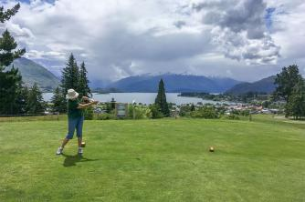 Wanaka Laurel teeing off